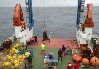 160801_final_stage_of_mooring_deployment