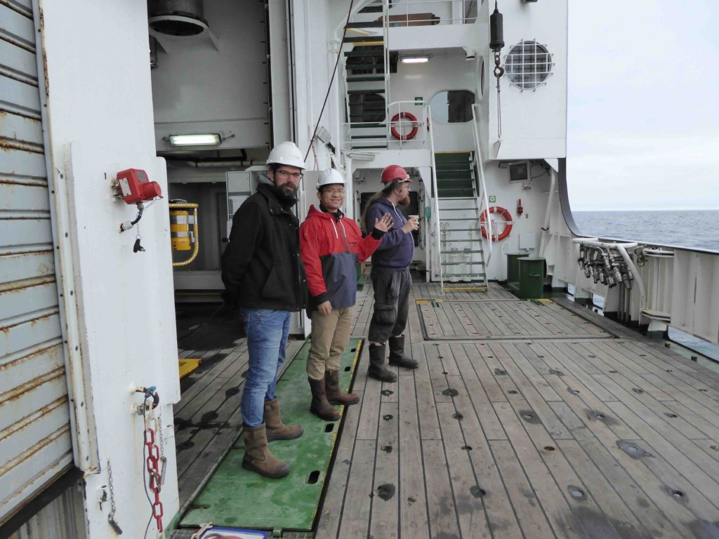 160801_Roald_Feili_and_Zoltan_on_starboard_deck