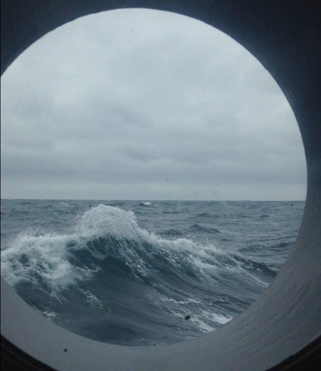 160805_porthole_view